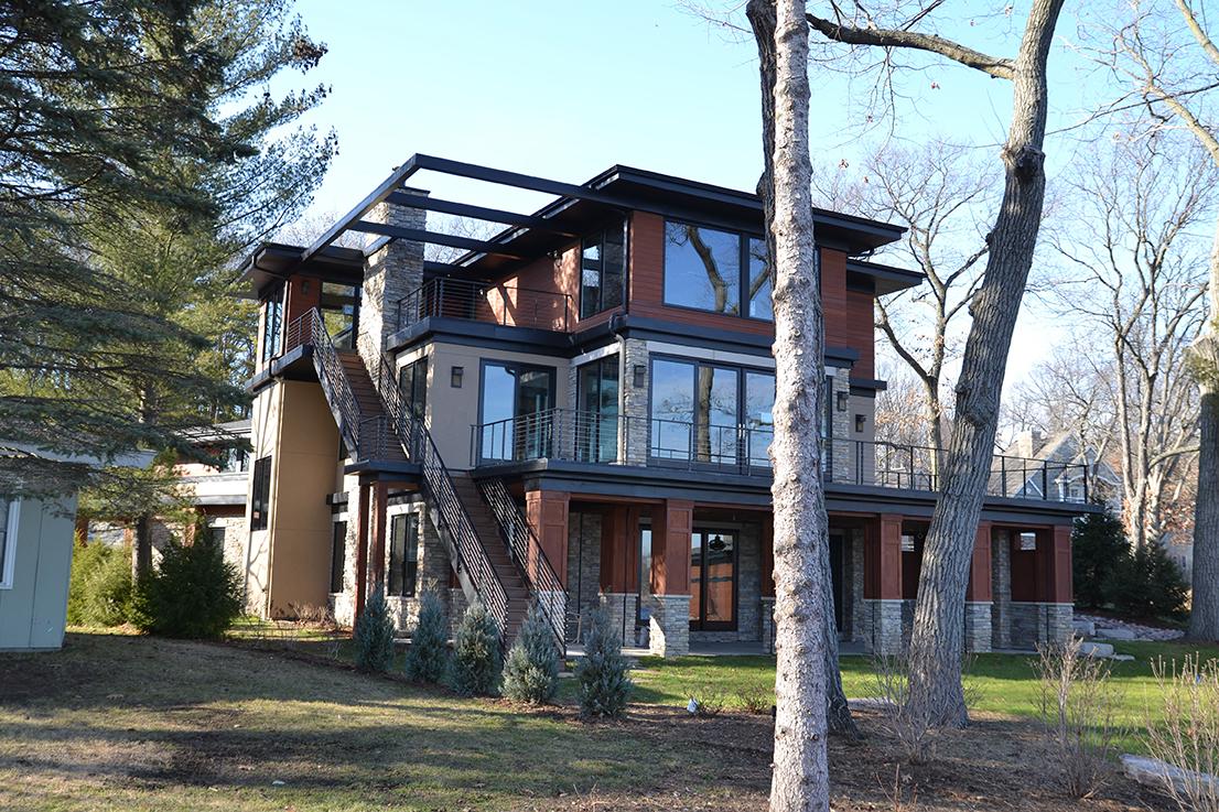 Contemporary Homes: Zach Building Co.